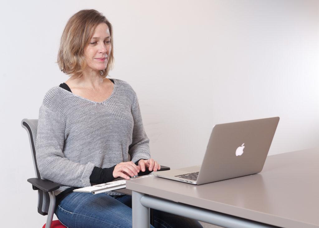 Schriftdolmetscherin Gudrun Amtmann im Setting